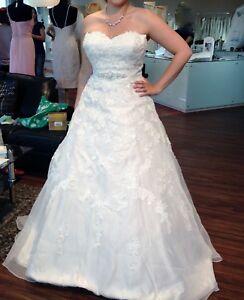 Sand-Ivory-Hochzeitskleid-Sincerity-Bridal-von-Justin-Alexander-Groesse-42