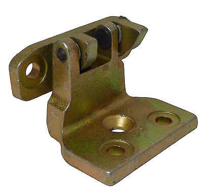 LONDON TAXIS LTI TX1,TX2 N//S//R PASSENGER SIDE REAR DOOR HINGE TOP AND BOTTOM