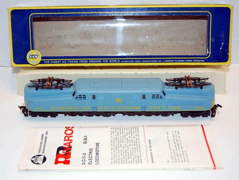 AHM RIVAROSSI HO scale Penn Central bluee GG-1 ARR Centennial edition.