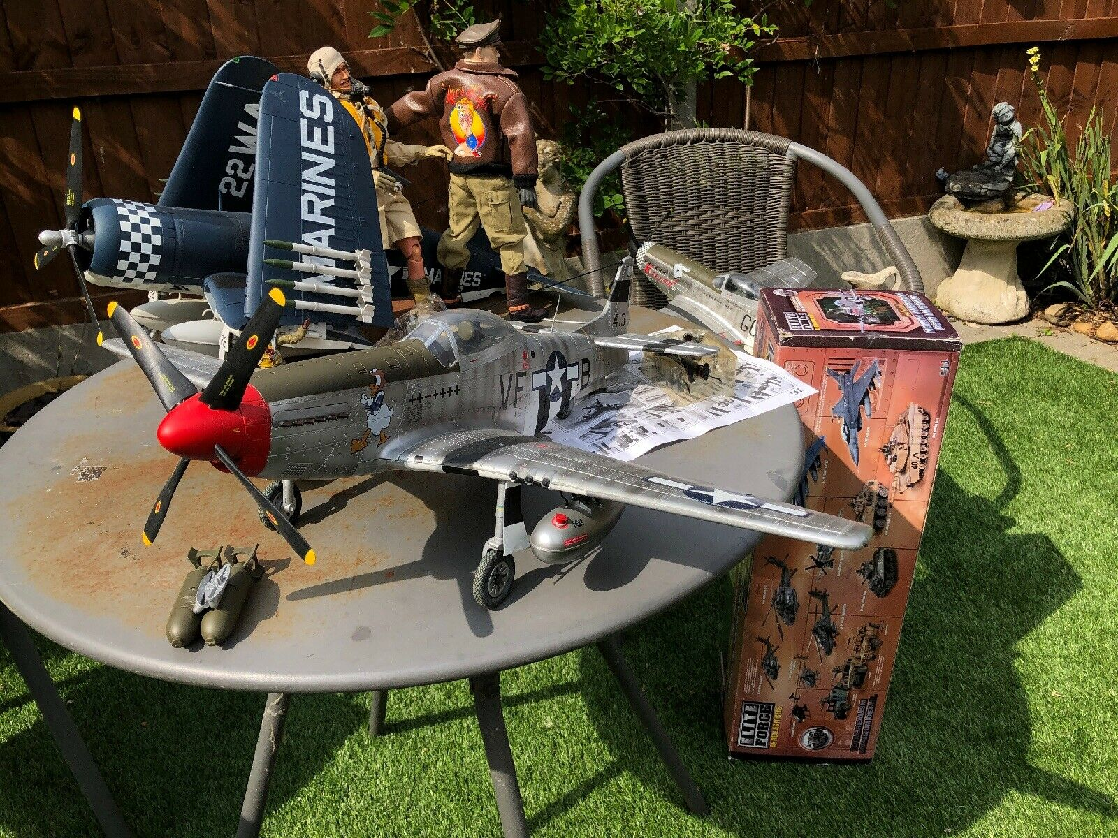 BBi Elite Force 1 18 P-51 Mustang WW2 Fighter Plane