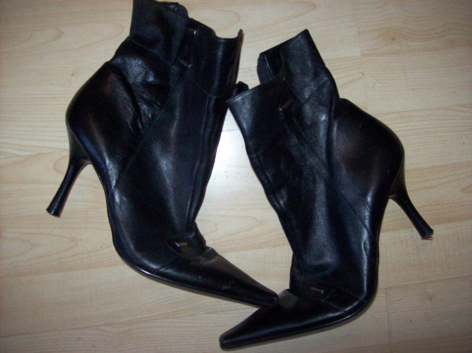 RAVEL WOMENS BLACK LEATHER MID CALF BOOT SIZE UK 7, EU 40, USED SLIGHT HEEL WEAR