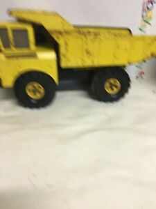 Vintage-Tonka-1970-039-s-Dump-Truck-Pressed-Steel-Yellow-w-XMB-975-Tires