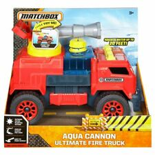 Matchbox AQUA CANNON ULTIMATE FIRE TRUCK Red Engine Squirts Water Toy