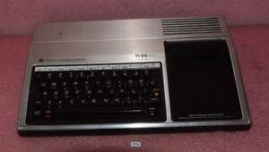 Vintage-Texas-Instruments-TI-99-4A-Computer