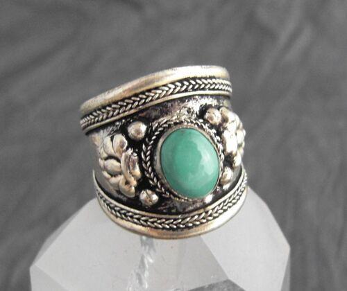 Aufwendig verzierter Ring mit Türkis ~ Nepal 212