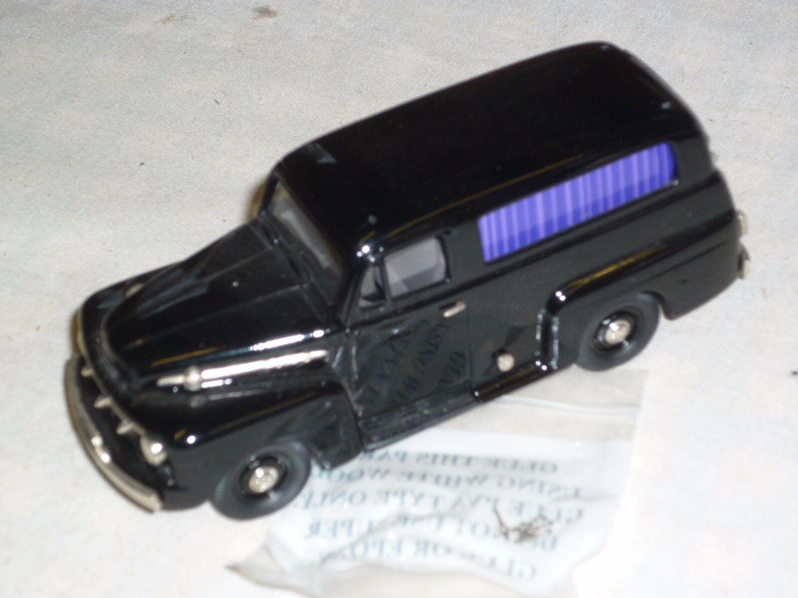 Brooklin modelle 42x, 1952 ford - formel - 1 - wagen.(1 300).boxen