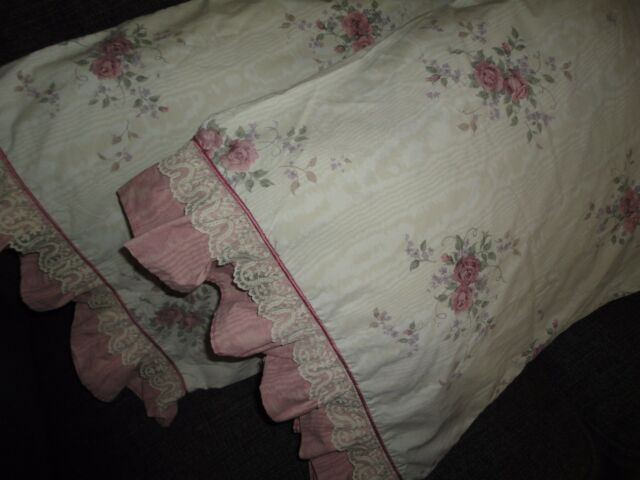 PENNEY RARE GLYNDA TURLEY ROSE RHAPSODY VICTORIAN LACE (PAIR) KING PILLOWCASES