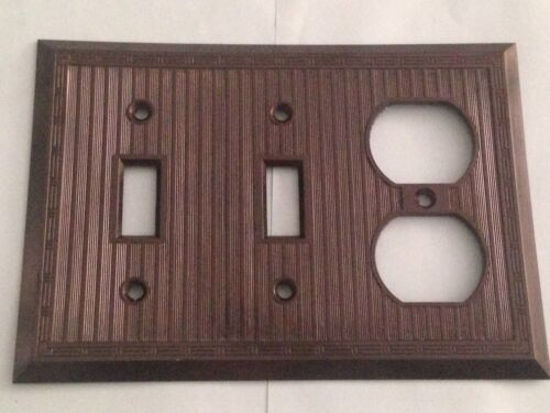 New Vintage Uniline Bryant 3 gang switch plate wall cover brown ribbed  Bakelite