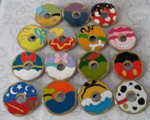 Mickey-Mouse-and-Friends-Donut-Mystery-Pack-Set-Choose-a-Disney-Pin