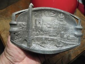 Old-art-nouveau-ashtray-regulates-paris-tour-eiffel-arc-de-triumph-notre-dame