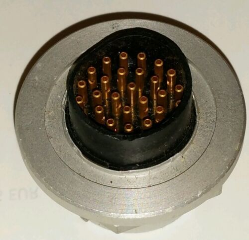 1x Einbaubuchse  32polig RFT  SEG100D AAG100 LLV100  ESS100  XK852 R/&S NOS