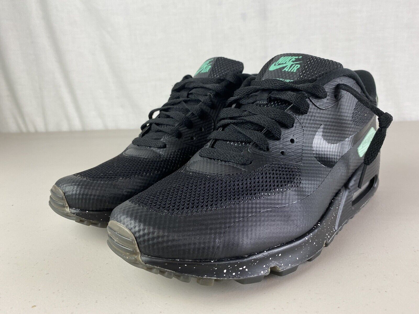 NIKE AIR MAX 90 HYPERFUSE PREMIUM ID BLACK AND MINT GREEN 10.5 653603-992