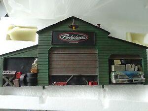GMP-Pork-Chop-039-s-Garage-Mechanic-Chop-Shop-Model-Diorama-1-18-Scale-Diecast-Car