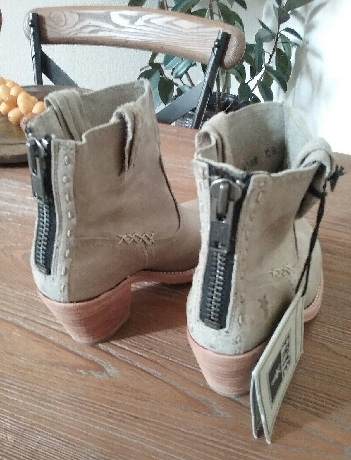 FRYE Women's  Leslie Artisan Short Bone Washed Vintage Boot Size 6.5 MSRP378