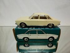 CURSOR MODELL 670 VW VOLKSWAGEN K70 L - CREAM 1:43? - EXCELLENT IN BOX - PLASTIC