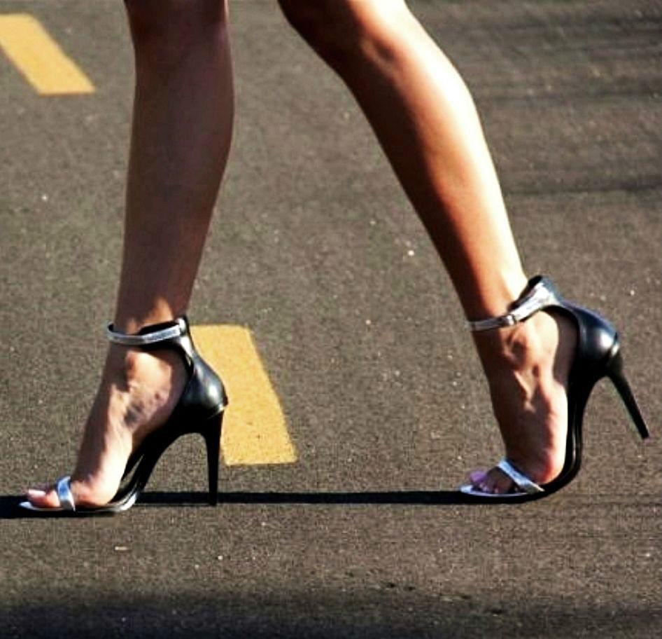 Zara Hoher Absatz Knöchelriemen Sandale Größe UK 3 4 6