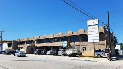 Se renta local de 400 m2 en Centro Comercial Garita de Otay, Tijuana PMR