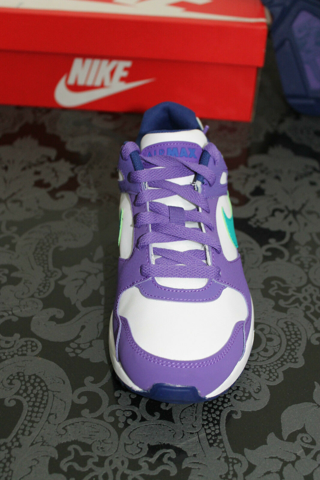 the latest 10d59 e76c0 ... NIKE AIR MAX COLISEUM Chaussures de course course course blanc violet  bleu taille 36,5 ...