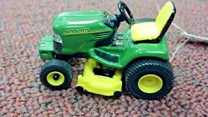 JOHN-DEERE-RIDING-TRACTOR-WITH-LAWN-MOWER-DECK-ERTL