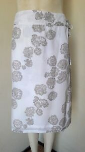 Gorgeous-White-amp-Beige-Floral-Wraparound-Cotton-Skirt-from-George-Size-18