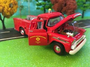 Fire-Truck-1958-Chevy-Apache-Brush-Truck-Limited-Edition-I-64-Scale-M2-New