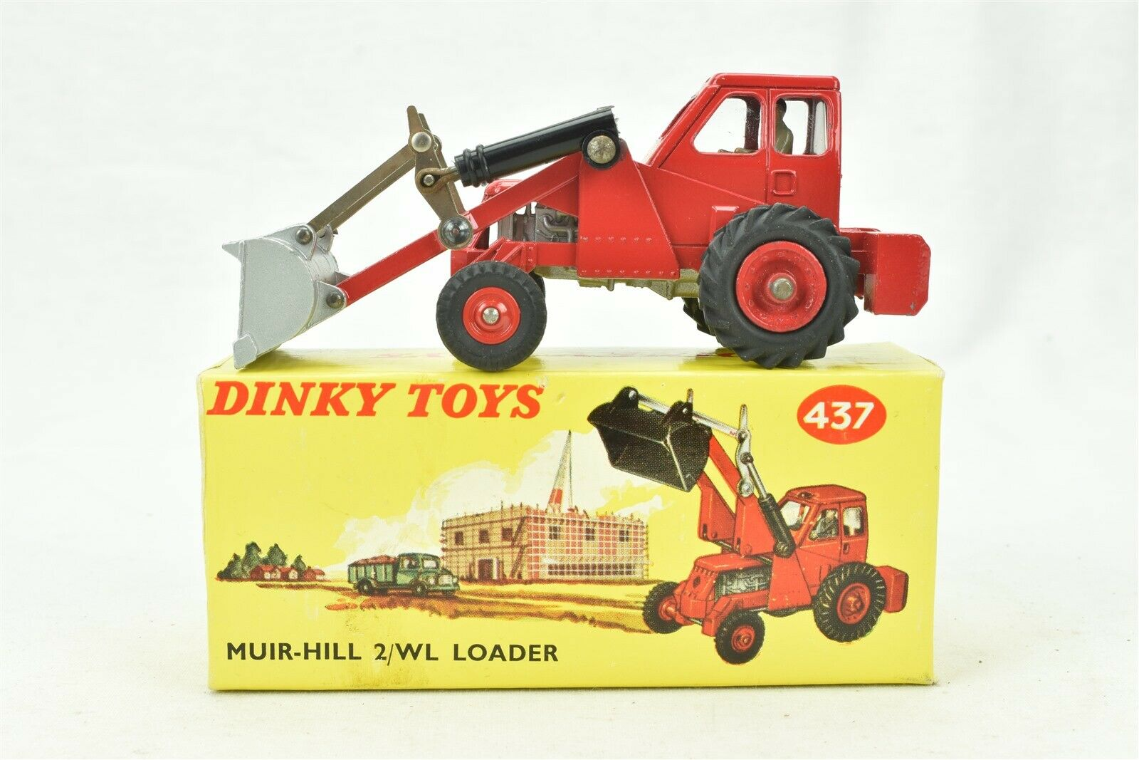 Dinky Toys No. 437  Muir Hill  2 WL Loader Taylor Woodrow w  box Made in England