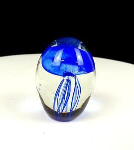 Studio-Vetro-Artistico-Blu-Cobalto-Meduse-e-Trasparente-Egg-Forma-7cm-Fermacarte
