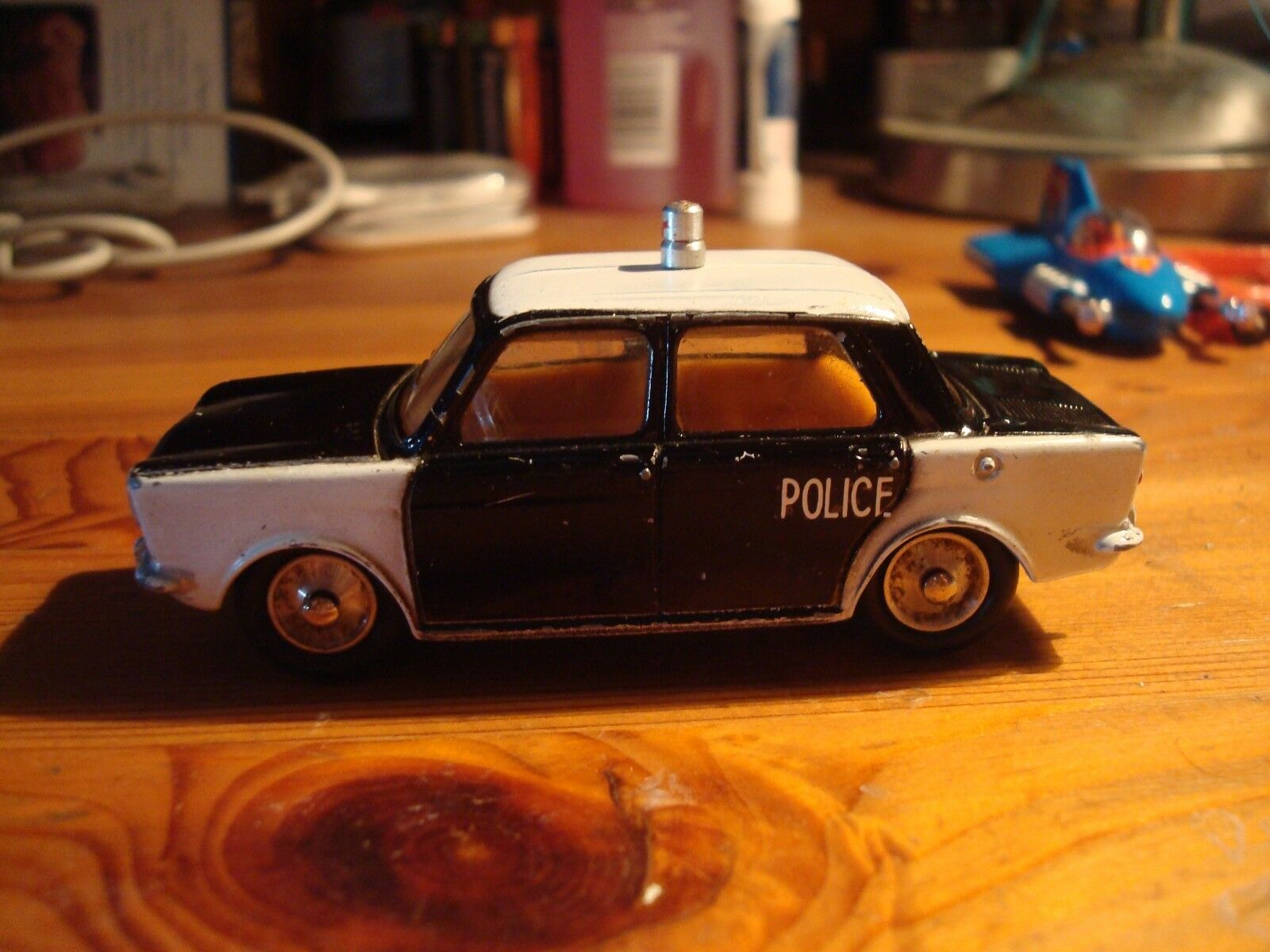 Nouvel an nouvelle couleur, impression  reste souvent souvent souvent CIJ EUROPARC 1/43 SIMCA 1000 1962 POLICE | Réduction
