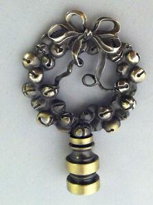 Antique Brass Finial Wreath Of Bells Lamp Shade Top Decor