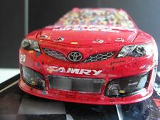 2013 Matt Kenseth #20 HUSKY Darlington RACED WIN NASCAR Diecast 1/24 Action