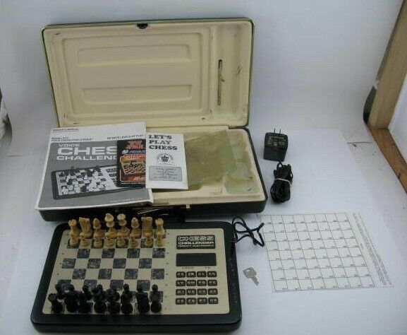Fidelidad de voz avanzado Chess Challenger-Funciona  caso, el manual y más  modelo Vcc