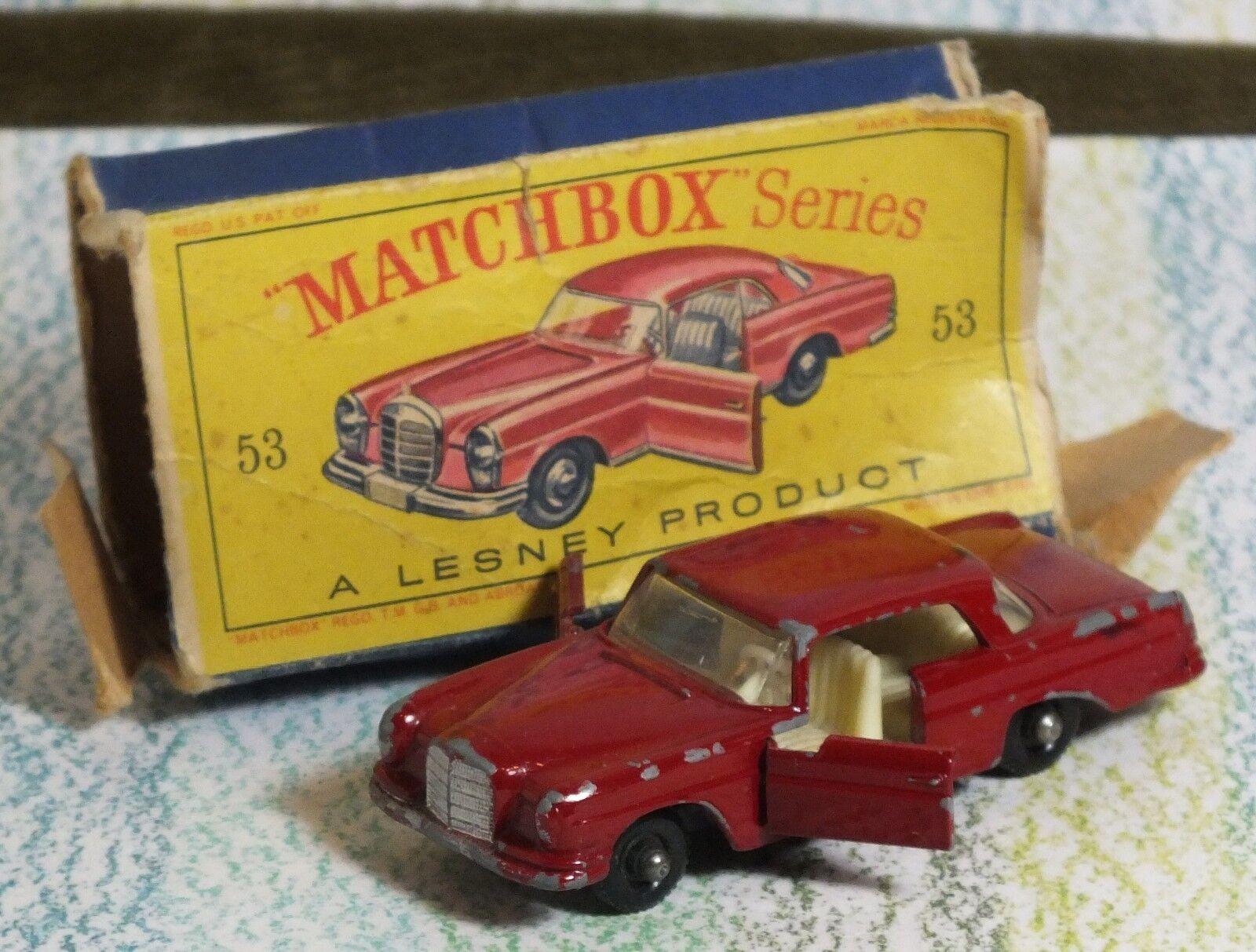 Matchlåda Lesney b Mercedes Benz 220SE Mörkröd Bra i Fair låda