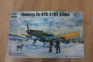 Trumpeter Junkers Ju 87b2 / U4 Stuka Echel 1/32 Eme