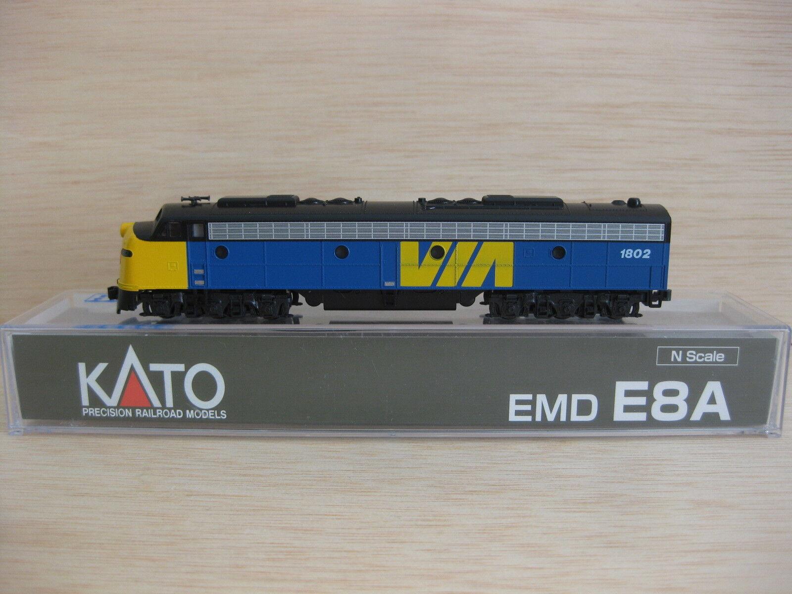 Kato - .176-5345 - Locomotora diesel E8A VIA Rail nº1802