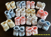 BABY BOYS GIRLS KNITTED BOOTIES SOCKS PINK BLUE WHITE CREAM BABY SHOWER GIFT NEW