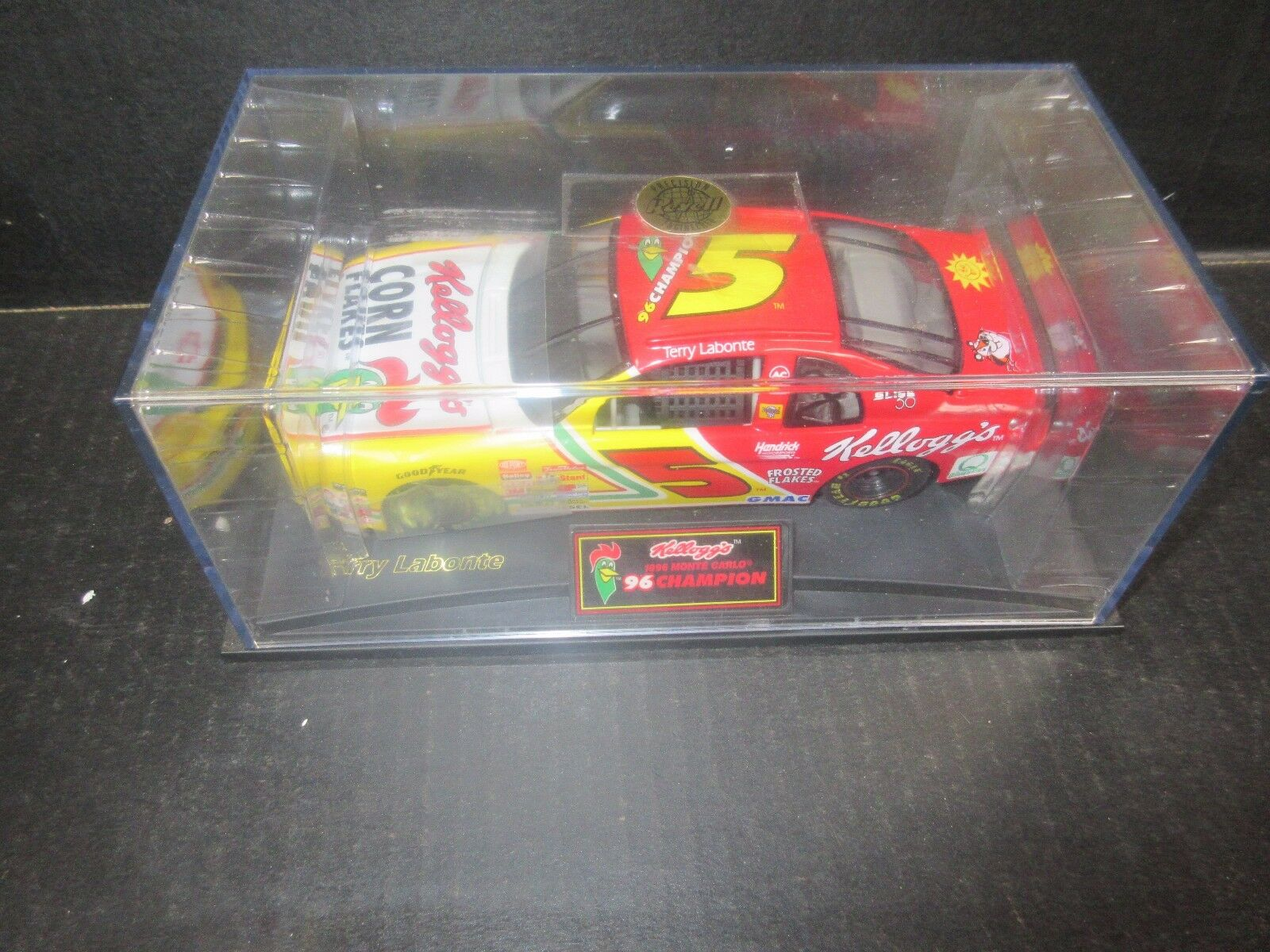 1998 Revell  Kelloggs Kelloggs Kelloggs Terry Labonte 1 24th Scale racecar 84c3a8