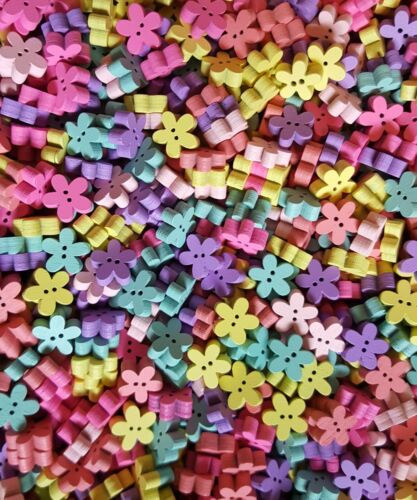 150 X 12mm MINI WOODEN FLOWER BUTTONS MIXED COLOURS SCRAPBOOKING EMBELISHMENTS