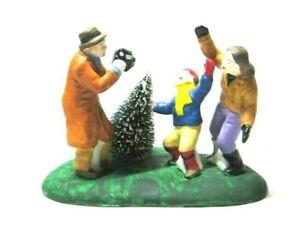 VTG Lemax Christmas Village Scene Family Christmas Tree Shopping Porcelain