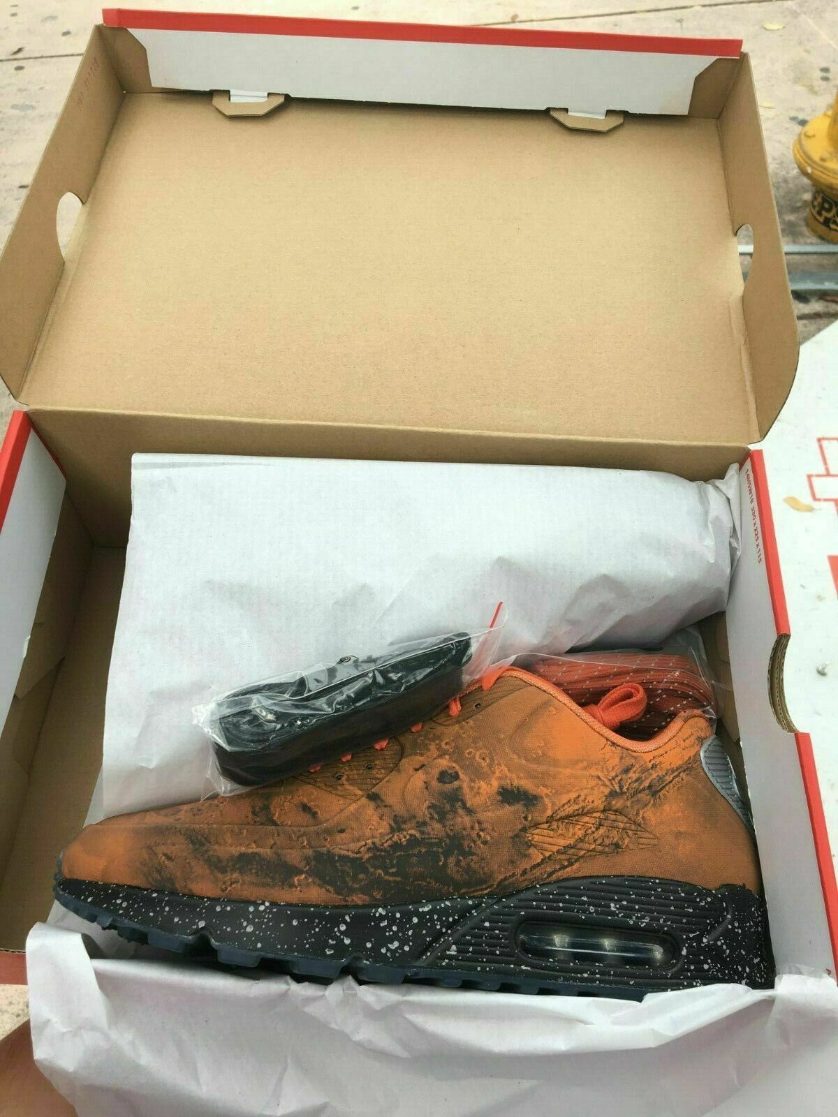 Nike Air Max 90 QS Mars Landing New Size 7.5 CD0920-600 with Receipt