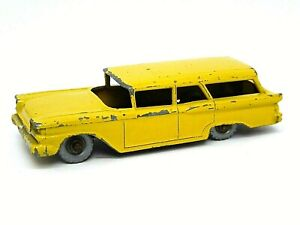 Matchbox-Lesney-No-31b-Ford-Fairlane-Station-Wagon-amarillo-muy-raro-no-Windows