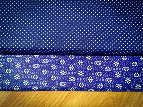 Price per 1//2 metre Shabby Chic Flowers on Dark Blue Flowers 100/% Cotton Fabric