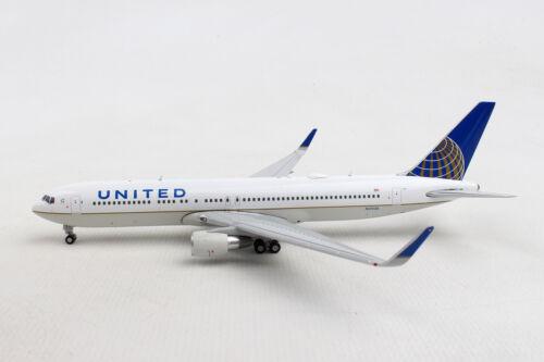 Gemini Jets United Boeing 767-300ER GJUAL1800 1//400 REG#N676UA New