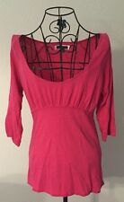 AMERICAN EAGLE AEO Women's Bright Pink 3/4 Sleeve Scoopneck Shirt Sz Medium EUC