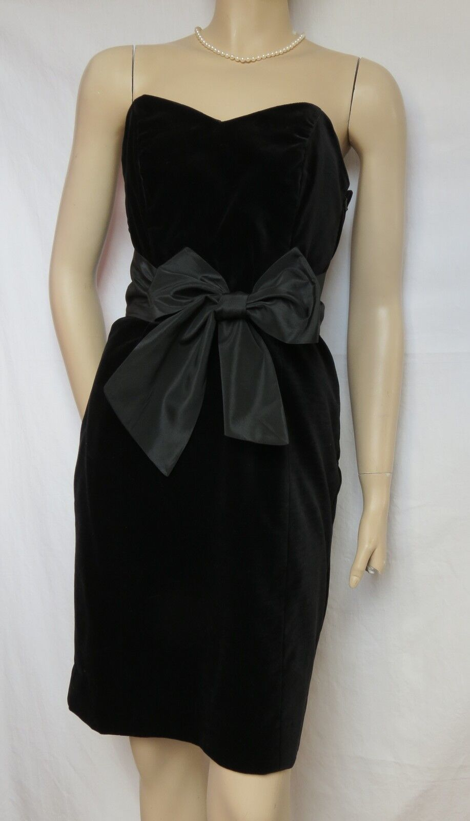 68a513054aaf Laura Ashley Velluto Abito 38 Nero Nero Nero Pizzo Matrimonio Cocktail  Vintage... 6e9a1d