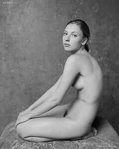 Yelena-38800-08-Fin-Art-Noir-amp-Blanc-Chair-Signe-a-la-Main-Photo-par-Craig-Morey