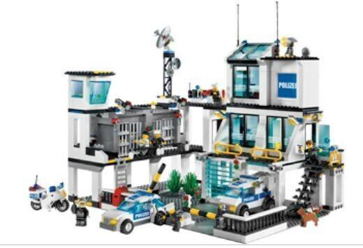 LEGO City Polizei (u.a. (u.a. (u.a. Station 7744 Truck 7288 Stiefel 7287 u.v.m.) 918456