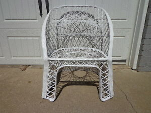 Chair-Woodard-Vintage-Spun-Fiberglass-Garden-Armchair-MCM-Regency-Armchair-Patio