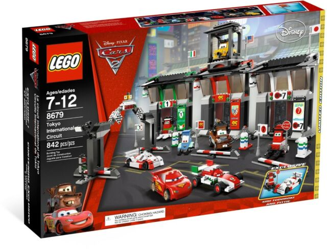 LEGO DISNEY CARS 8679 - TOKYO INTERNATIONAL CIRCUIT - RETIRED - PREOWNED