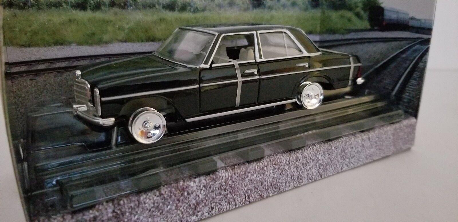 Corgi 05701 Mercedes-Benz Saloon - - - James Bond  Octopussy  1 36 NIB   8bd73c