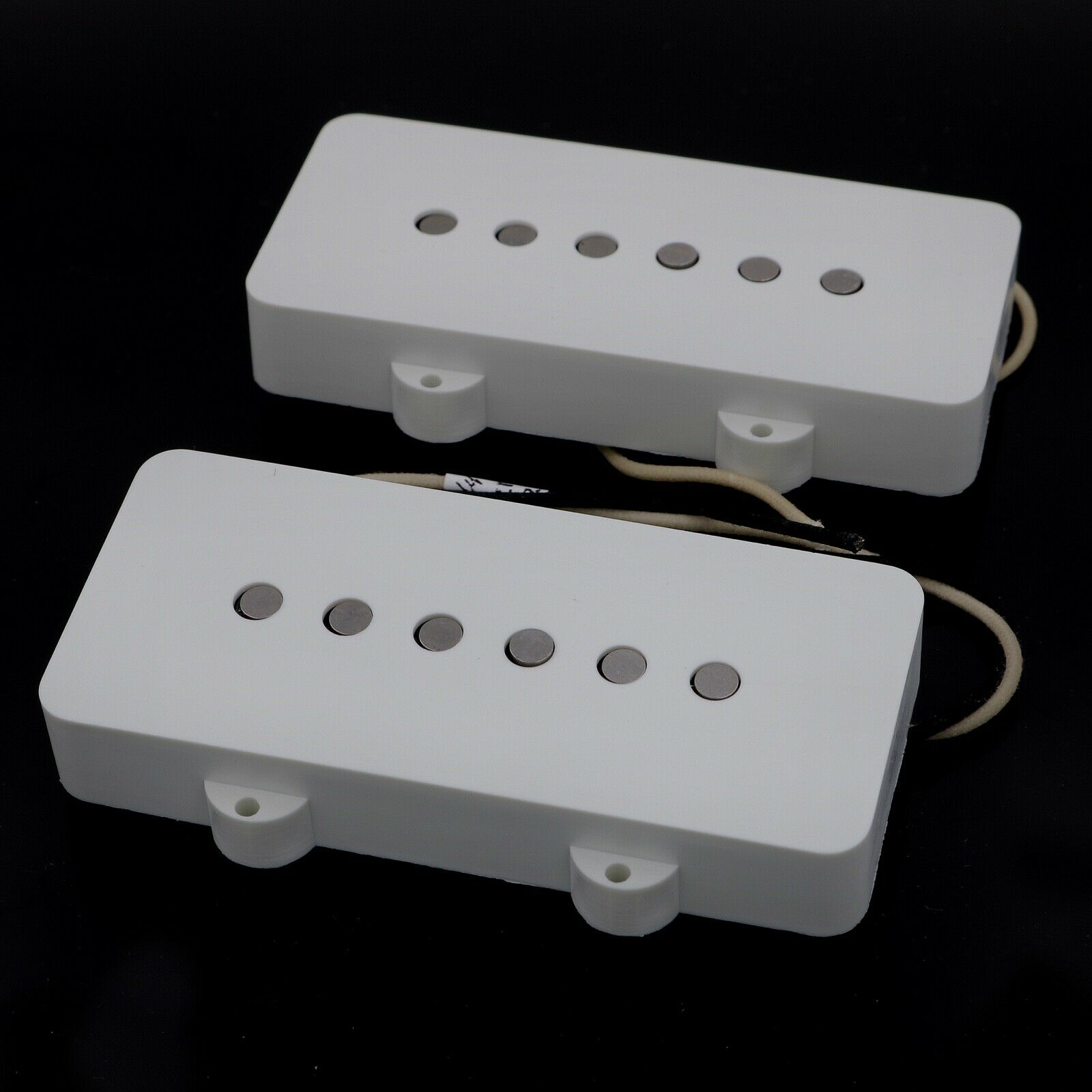 Lindy Fralin Jazzmaster Replacement Pickup Set - Weiß Covers